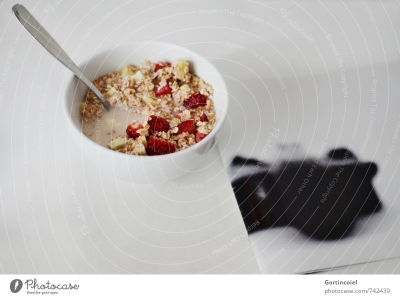 MuesliMagazine Food Fruit Nutrition Breakfast Milk Bowl Spoon Delicious Cereal Oat flakes Strawberry Banana Photo album Colour photo Studio shot
