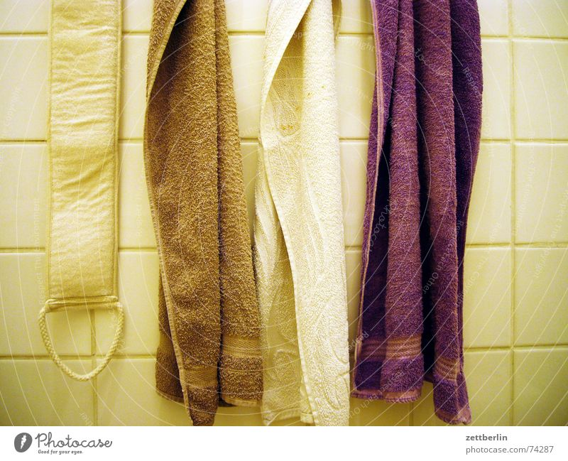 White Relaxation Brown Cleaning Bathroom Violet Dry Tile Toilet Personal hygiene Beige Towel Midday Jute