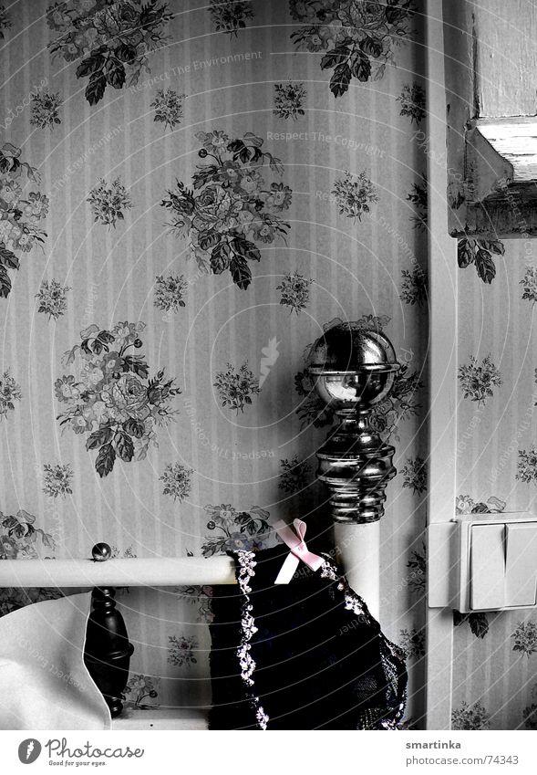 Bon jour chérie I. Good morning Hotel room France Wake up Bed Brass Wallpaper Time Romance Underwear chérie chérie comment ça va? chambre d'hôtel