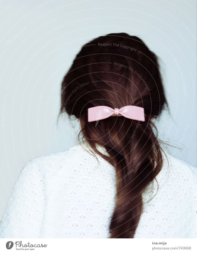 hair pocket Elegant Beautiful Hair and hairstyles Human being Feminine Young woman Youth (Young adults) Woman Adults 1 Sweater Accessory Jewellery Brunette