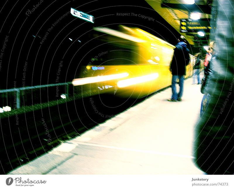 City Yellow Berlin Movement Railroad Logistics Underground Night life Arrival Means of transport Public transit Prenzlauer Berg Berlin public transportation services Schönhauser Allee