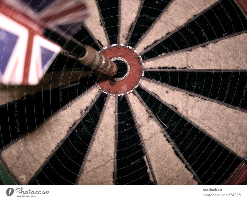BULLSEYE II | darts darts unionjack dartscheibe sports beer Darts Direct hit Aim Trajectory Far-off places Playing Dartboard Union Jack England Red Green Black
