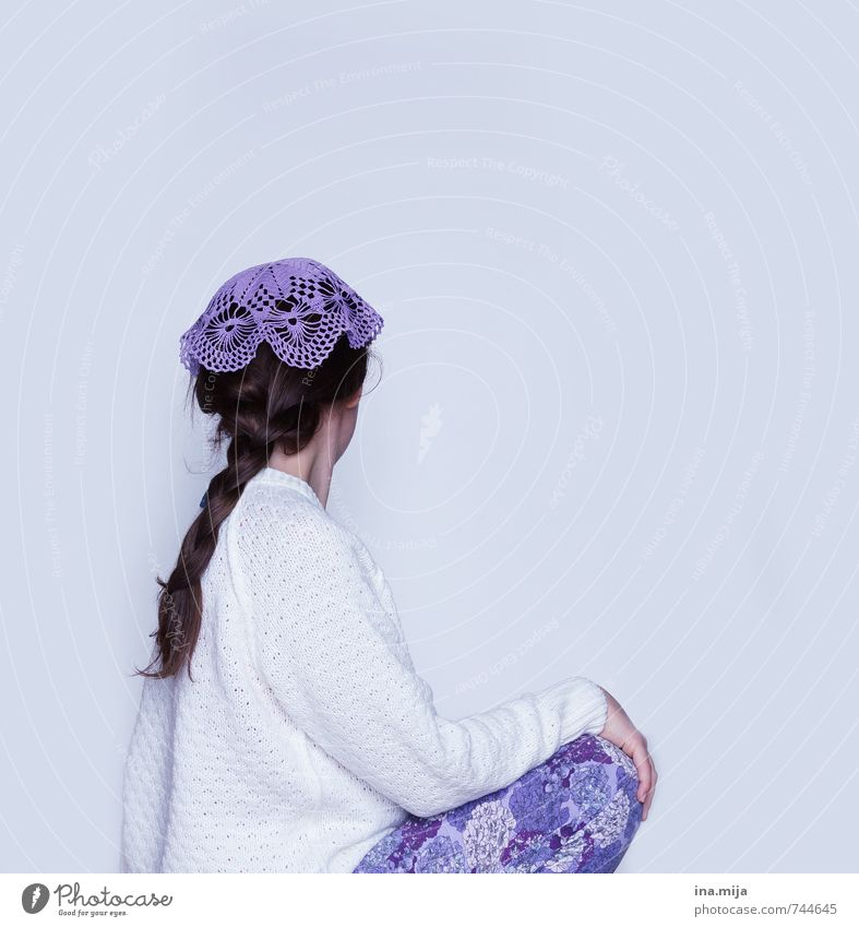 crocheted cap Human being Young woman Youth (Young adults) Woman Adults 1 13 - 18 years Child 18 - 30 years Fashion Clothing Sweater Accessory Jewellery Cap