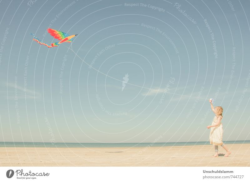 Birdie, fly! Lifestyle Leisure and hobbies Playing Children's game Hang gliding Vacation & Travel Tourism Summer Summer vacation Human being Girl Infancy 1
