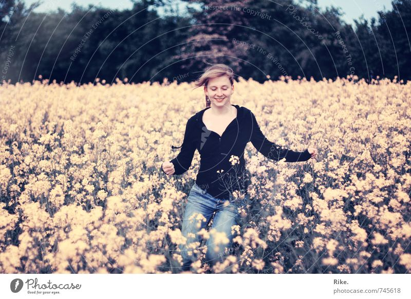 Lightness. Lifestyle Allergy Human being Feminine Young woman Youth (Young adults) 1 18 - 30 years Adults Nature Spring Plant Blossom Canola Field Blonde