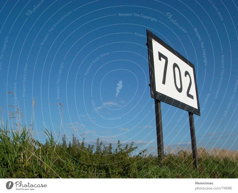 Sky Blue Meadow Grass Watercraft 2 Signs and labeling Horizon 3 Empty Perspective Digits and numbers Image Exceptional Sign Discover