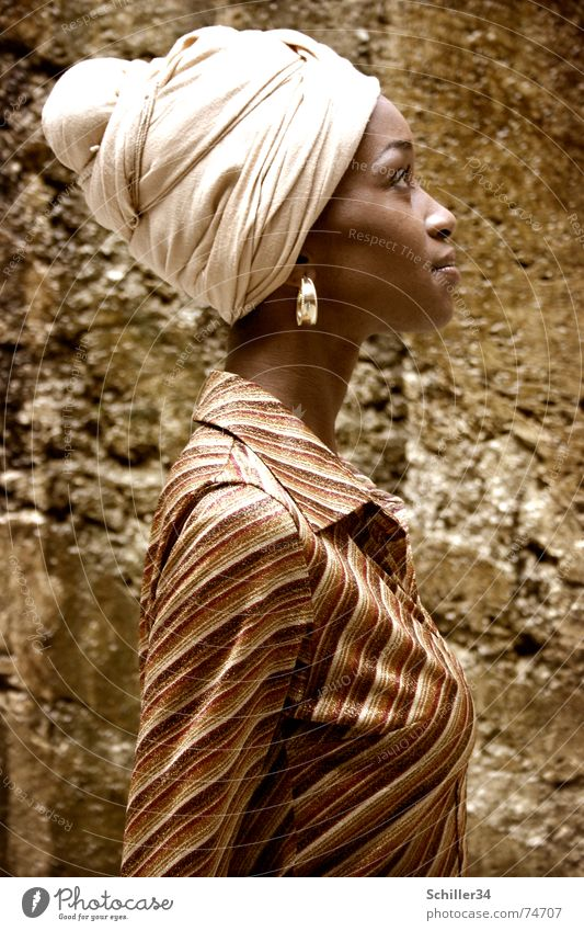 nahida Woman Lady Model Beauty Photography Africa Africans Turban Headscarf Shirt Silhouette Portrait photograph Beautiful Brown Earring Stone Profile