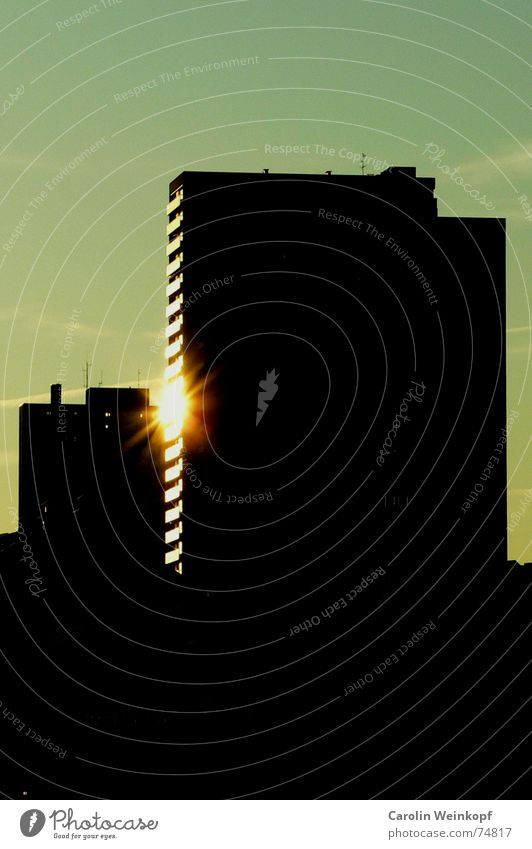 Fire on the 12th floor Reflection Silhouette St. Pauli High-rise Light Black Dark Dusk Evening sun Sunset Indirect Modern Hamburg Town sleepless Shadow