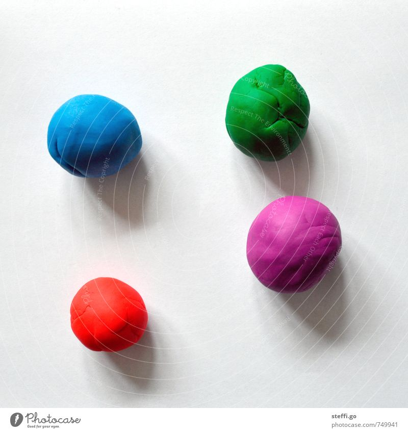 Child Blue Green Red Joy Playing Pink Leisure and hobbies Happiness Simple Creativity Childhood memory Soft Round Violet Ball