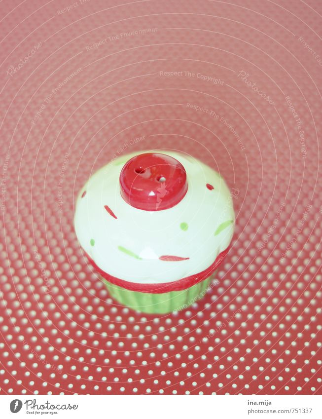muffin Food Dough Baked goods Nutrition Picnic Decoration Kitsch Odds and ends Souvenir Collection Collector's item Green Red White Delicious Salt caster