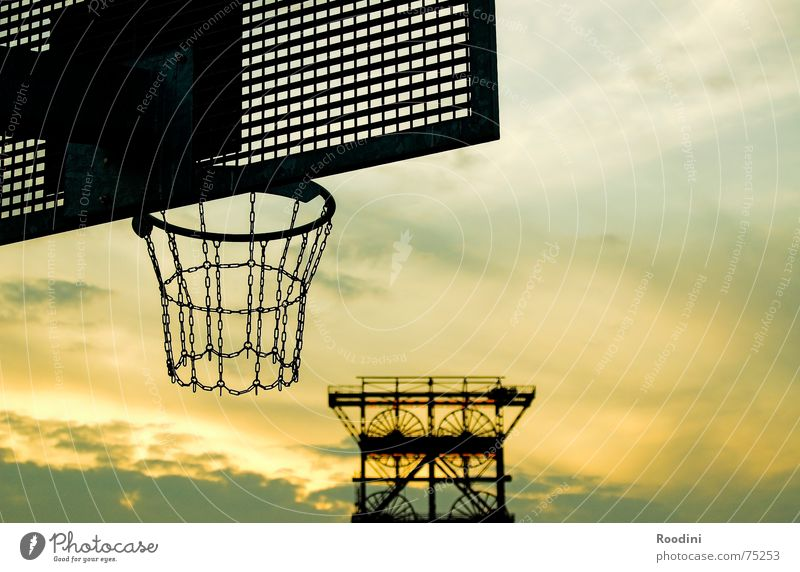 industrial culture Basket Basketball basket Ball sports 3 Endurance Aim Dribble Mine Mine tower Consol mine Gelsenkirchen Mining Pot The Ruhr Evening sun Sunset