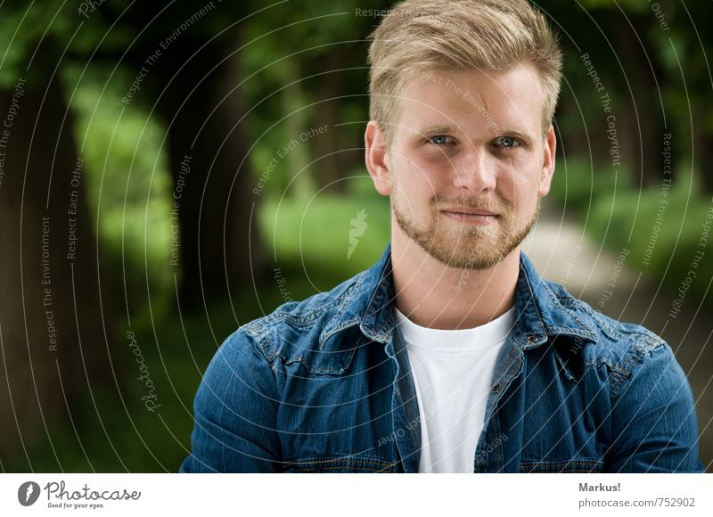 looking straight ahead... Human being Masculine Young man Youth (Young adults) 1 18 - 30 years Adults Clothing Blonde Short-haired Facial hair Designer stubble