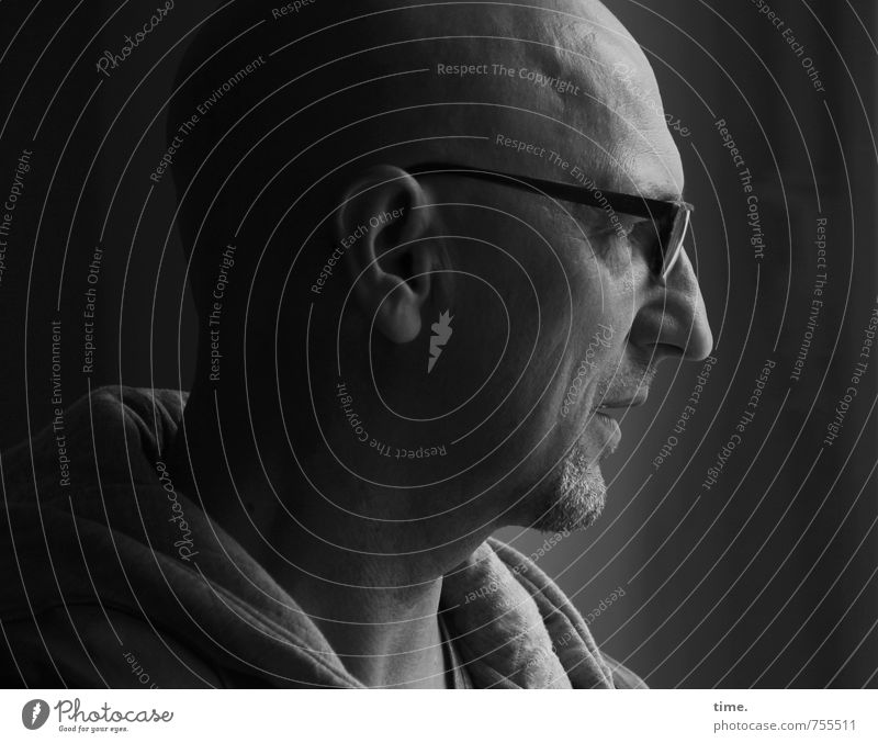 Human being Calm Far-off places Life Head Moody Masculine Authentic Observe Eyeglasses Safety Curiosity Concentrate Serene Watchfulness Bald or shaved head