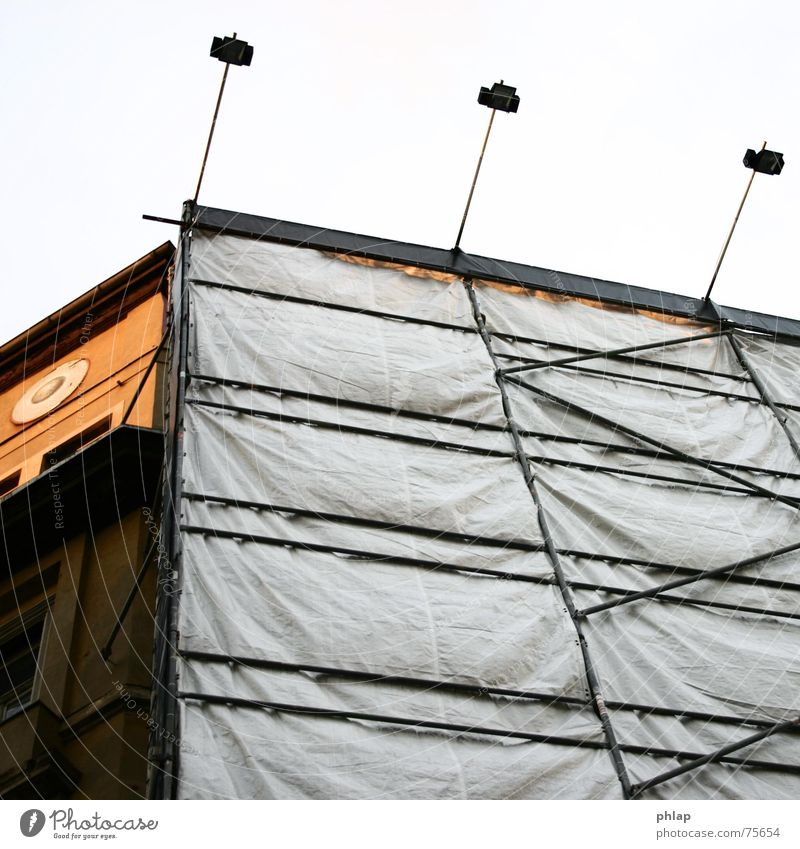 White House (Residential Structure) Building Facade Construction site Covers (Construction) Scaffold Old building