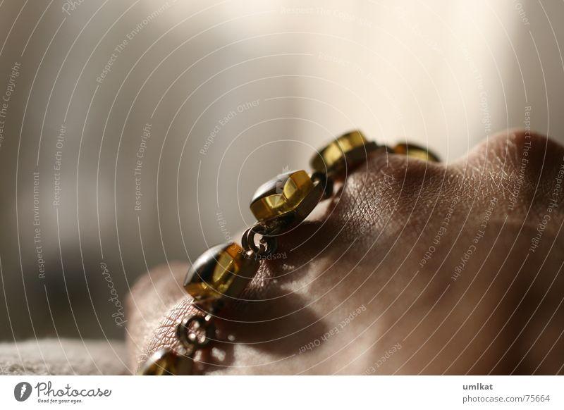 Hand Skin Chain Bracelet Dim Amber