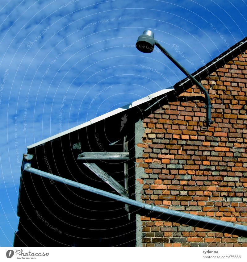 movement directions Building Lamp Lantern Light House (Residential Structure) Rain gutter Drainpipe Geometry Image format Clouds Roof Wall (barrier) Brick Line