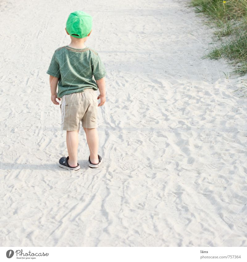 mama Beach Child Human being Boy (child) Infancy 1 1 - 3 years Toddler Nature Landscape Sand Observe Stand Curiosity Sadness Loneliness Fear Horror Distress