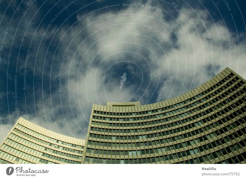 Sky Blue City Clouds House (Residential Structure) Window Business Line Work and employment High-rise Roof Story Construction Weather protection Curved
