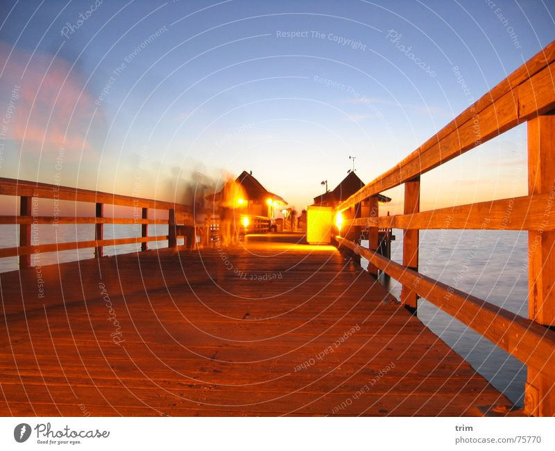 Evening at Pier 2 Agitated Jetty Florida House (Residential Structure) Lighting Exterior shot Long exposure Human being Enliven relaxed USA Joy animation