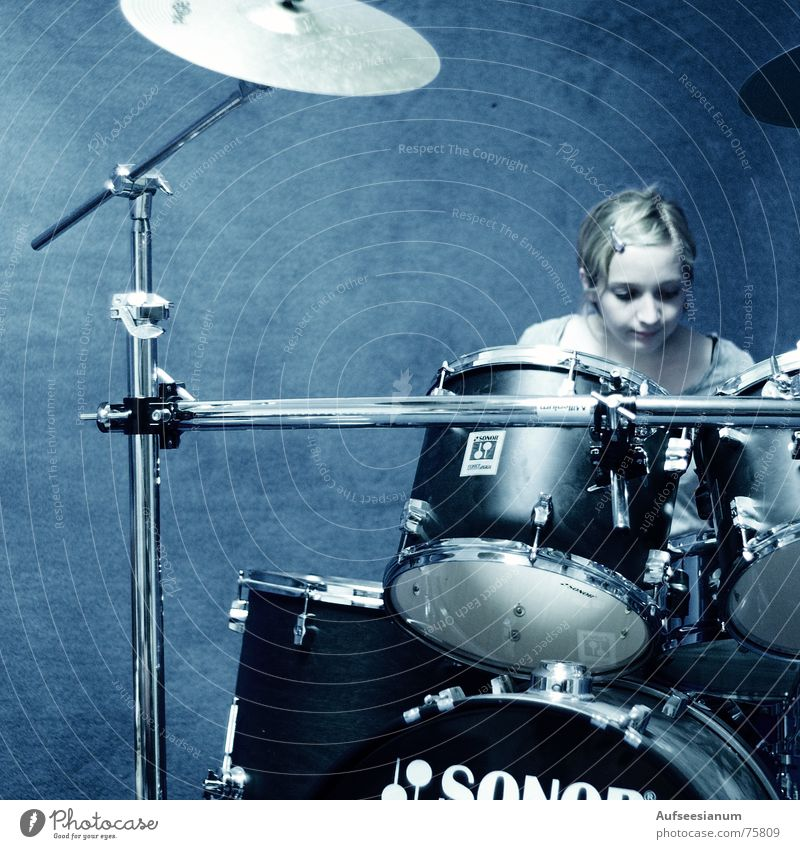 Tactless? Woman Drum set Helpless Aimless Blue confused Irritation