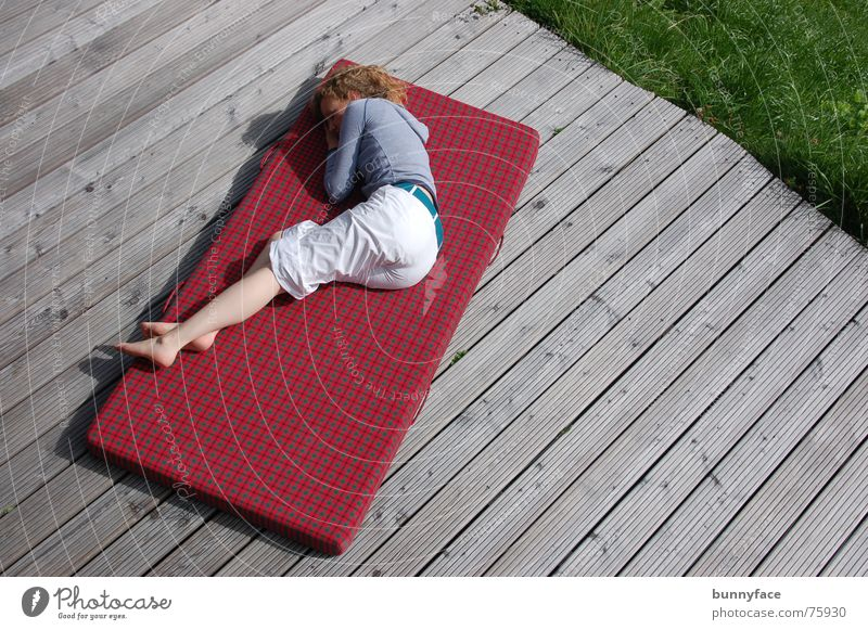Woman Red Relaxation Grass Warmth Sleep Bed Lie Switzerland Physics Fatigue Wooden board Alpine pasture Siesta Floor mat