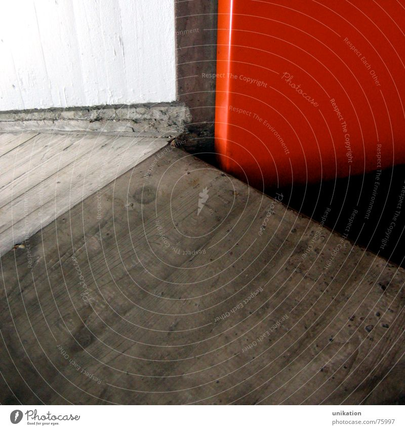 Contrast White Red Black Wall (building) Gray Wall (barrier) Line Concrete Crazy Floor covering Underpass