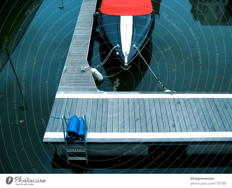 The boat Black White Gray Dark Europe Frankfurt Footbridge Jetty Watercraft Speedboat Red Reflection Lamp Lantern Plank Leashed Empty