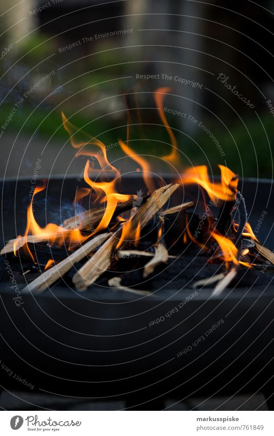 Red Black Wood Garden Flat (apartment) Orange Glittering Living or residing Blaze Barbecue (event) Heat Embers Firewood Fire grate