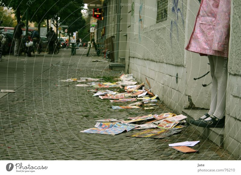 *** Child Girl Town Pink Prenzlauer Berg Newspaper Dark Street Berlin