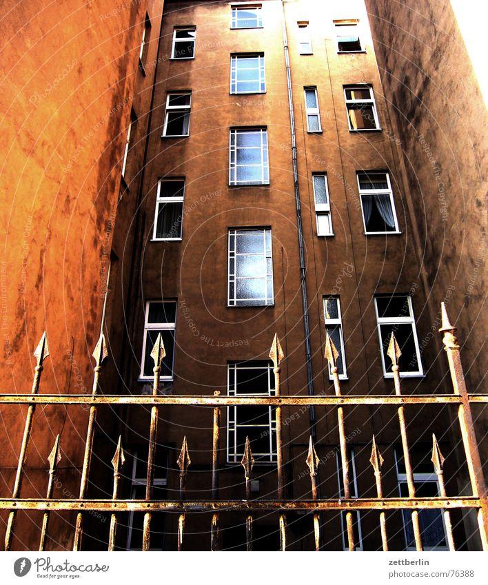 House (Residential Structure) Berlin Window Facade Closed Safety Point Fence Bans Hard Defensive Kreuzberg Misunderstanding