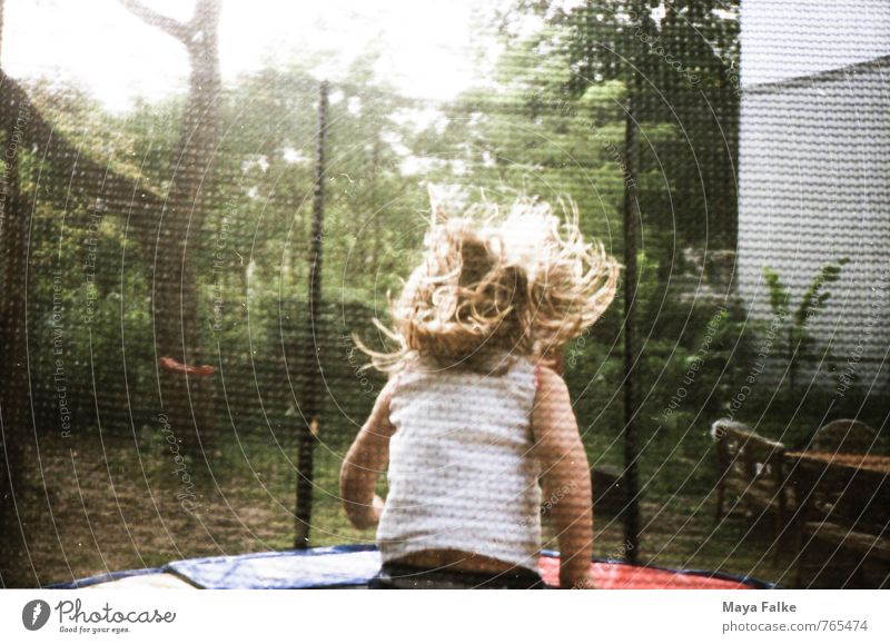trampoline Child Toddler Infancy Life 1 - 3 years 3 - 8 years Movement Fitness To enjoy Moody Joy Happy Happiness Joie de vivre (Vitality) Spring fever