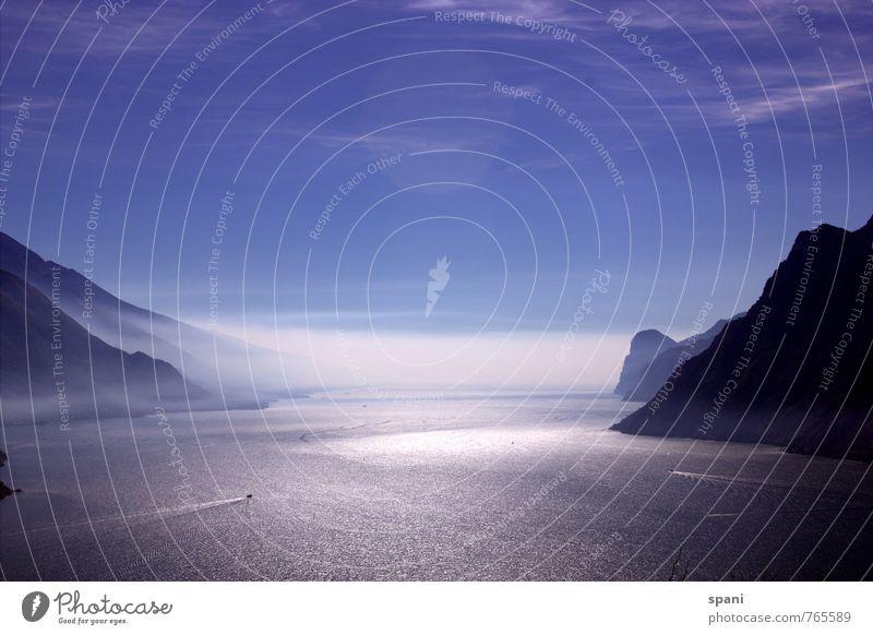 Blue White Landscape Far-off places Black Environment Mountain Freedom Lake Waves Esthetic Peak Aquatics Maritime