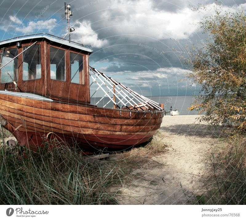 Water Sky Ocean Beach Autumn Watercraft Coast Baltic Sea Fisherman Angler Germany Usedom Fishing boat Bathing place Bansin