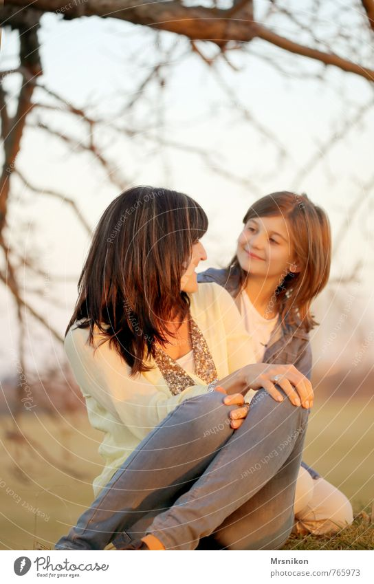 mother and daughter Human being Feminine Child Girl Woman Adults Parents Family & Relations Infancy 2 8 - 13 years 30 - 45 years Looking Happiness Together
