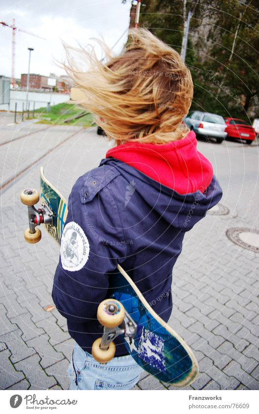 Woman Street Autumn Hair and hairstyles Car Wind Back Jacket Skateboarding Passion Crane Hooded (clothing) Judder Disheveled
