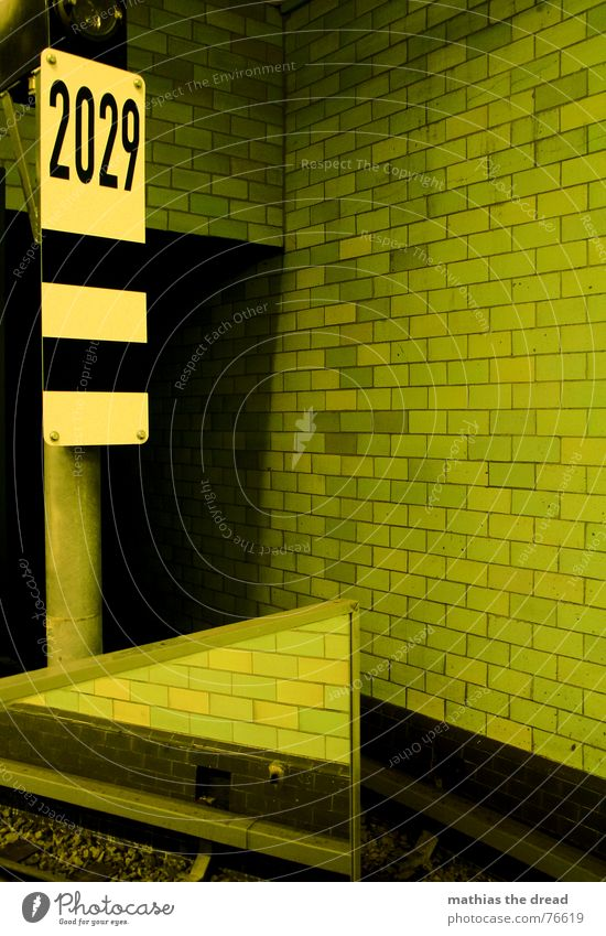 Green Wall (building) Stone Line Room Signs and labeling Mirror Railroad tracks Tile Underground Tunnel Train station Seam Mirror image Number plate