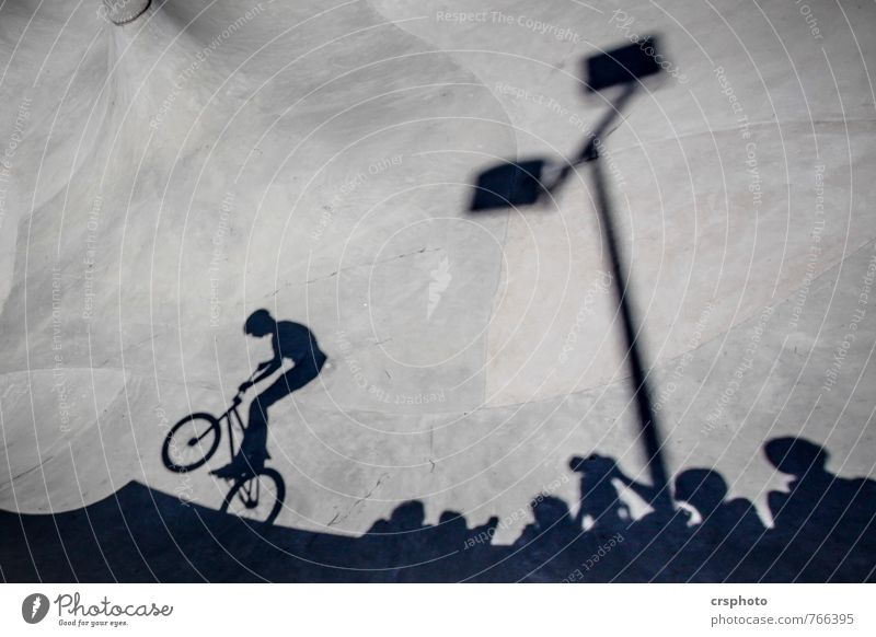 Shoot`em Leisure and hobbies biking Sportsperson Cycling Bicycle Halfpipe Child Human being Group Concrete Driving Jump Esthetic Shadow Sports ground Audience