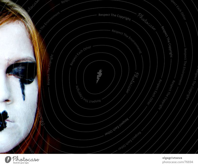 White Calm Black Heart Sleep Make-up Thought Go under Timidity Pout Think Absentminded Wearing makeup Pantomimist Heart-shaped