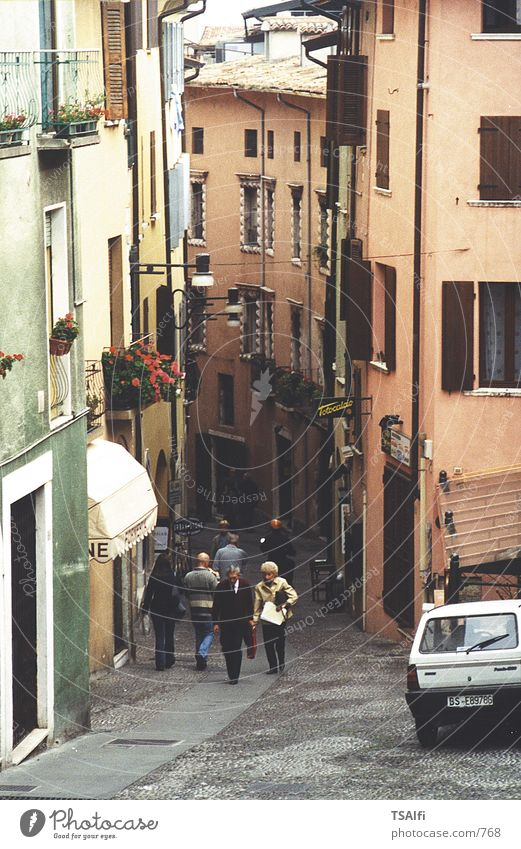 A narrow alley in Italy! Alley
