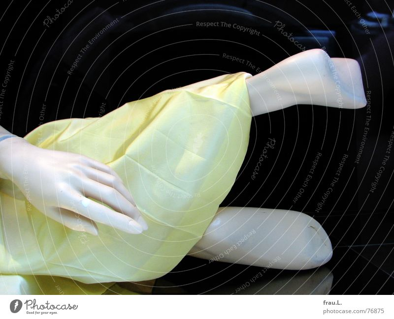 fallen Shop window Dress Yellow Hand Mannequin Reflection Decoration Sole of the foot Topple over Clothing Like Doll Feet Old Rotate Lie Wrinkles Legs