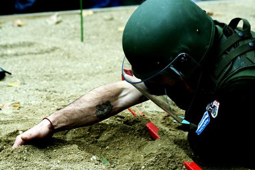 Sand Power Arm Dangerous Floor covering Threat Protection Services War Soldier Helmet Uniform Mine Weapon Dig