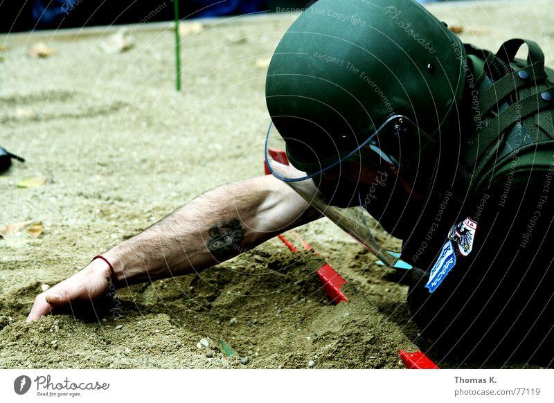 Sand Power Arm Dangerous Floor covering Threat Protection Services War Soldier Helmet Uniform Mine Weapon Dig