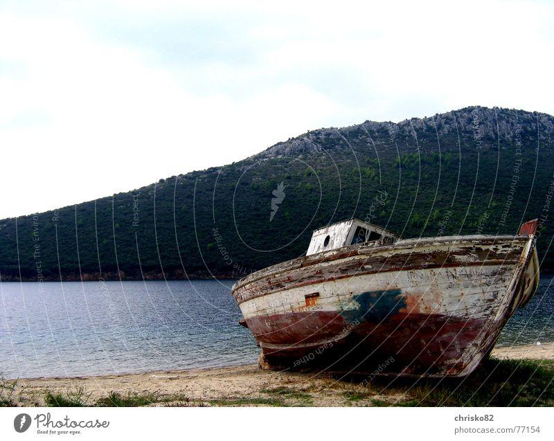 Dry practice! Watercraft Beach Ocean Wood Fishing boat Spar varnish Flotsam and jetsam Stranded Driftwood Wreck Sand Bay Harbour Varnish