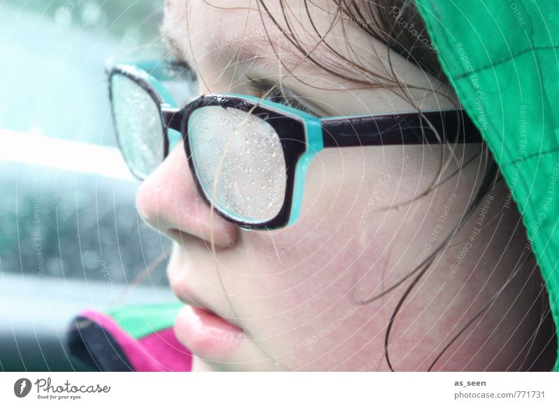 Green Colour Cold Face Autumn Sports Hair and hairstyles Pink Weather Rain Action Climate Clothing Wet Drops of water Observe