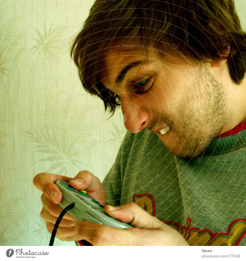 Playing Wallpaper Facial hair Hardcore Player Designer stubble Ambitious Games console Cramped Show your teeth