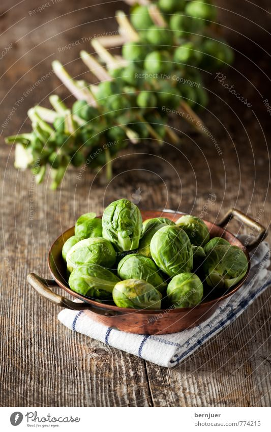 delicious balls Food Vegetable Nutrition Organic produce Vegetarian diet Bowl Cheap Good Delicious Yellow Brussels sprouts crucibles Pan Dish towel Raw Stalk