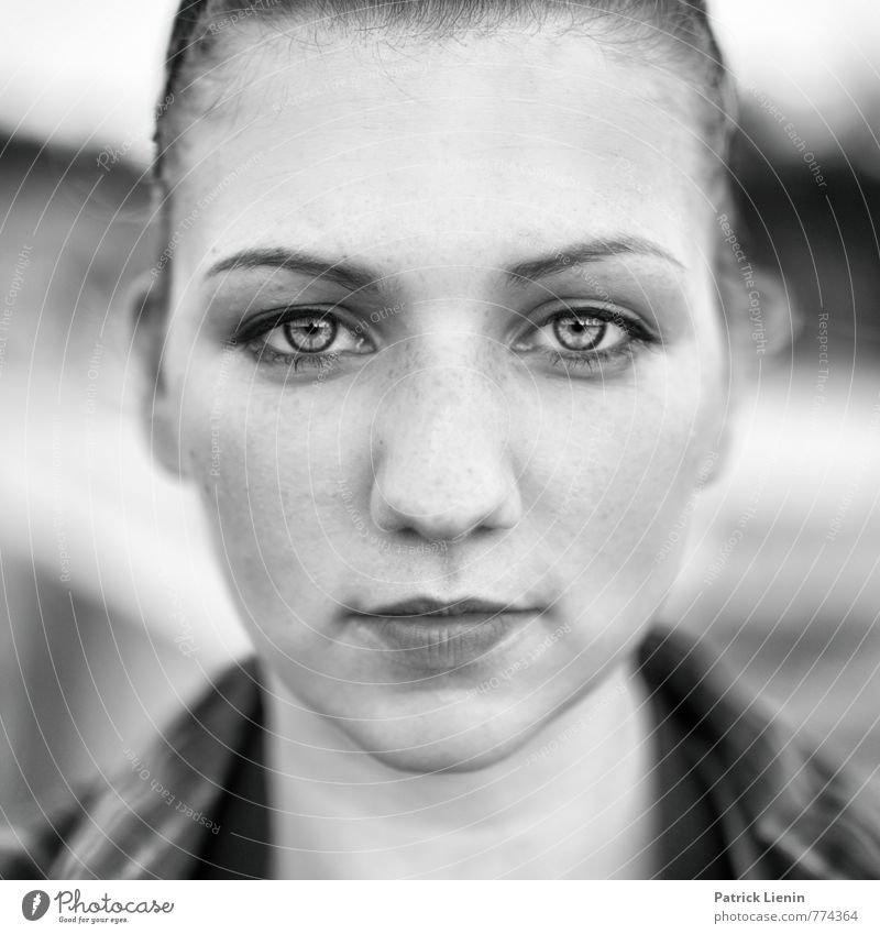 Human being Woman Youth (Young adults) Beautiful Young woman 18 - 30 years Cold Face Adults Eyes Life Feminine Natural Healthy Head Elegant