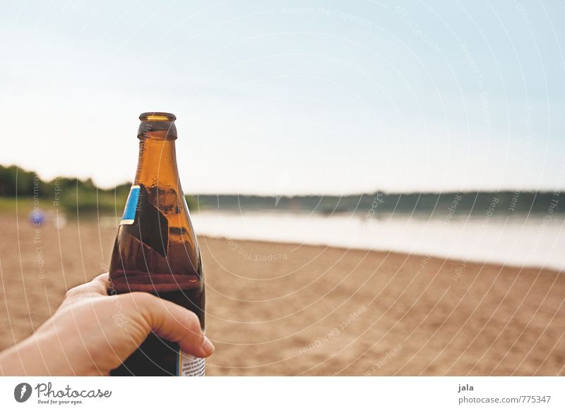 Sky Nature Hand Landscape Lake Fresh Beverage Fingers Lakeside Beer Delicious Refreshment Bottle Alcoholic drinks Thirst Cold drink