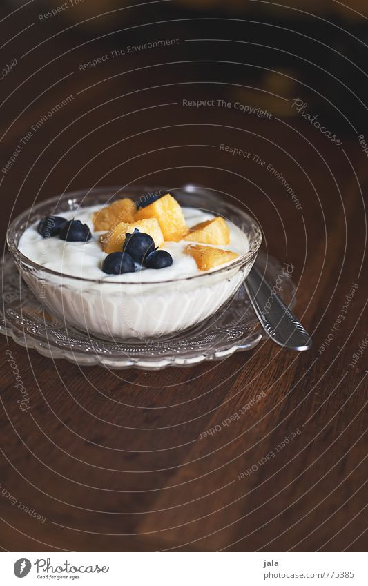 fruit quark Food Yoghurt Dairy Products Fruit Dessert Nutrition Breakfast Organic produce Vegetarian diet Plate Bowl Spoon Fresh Delicious Sweet Appetite