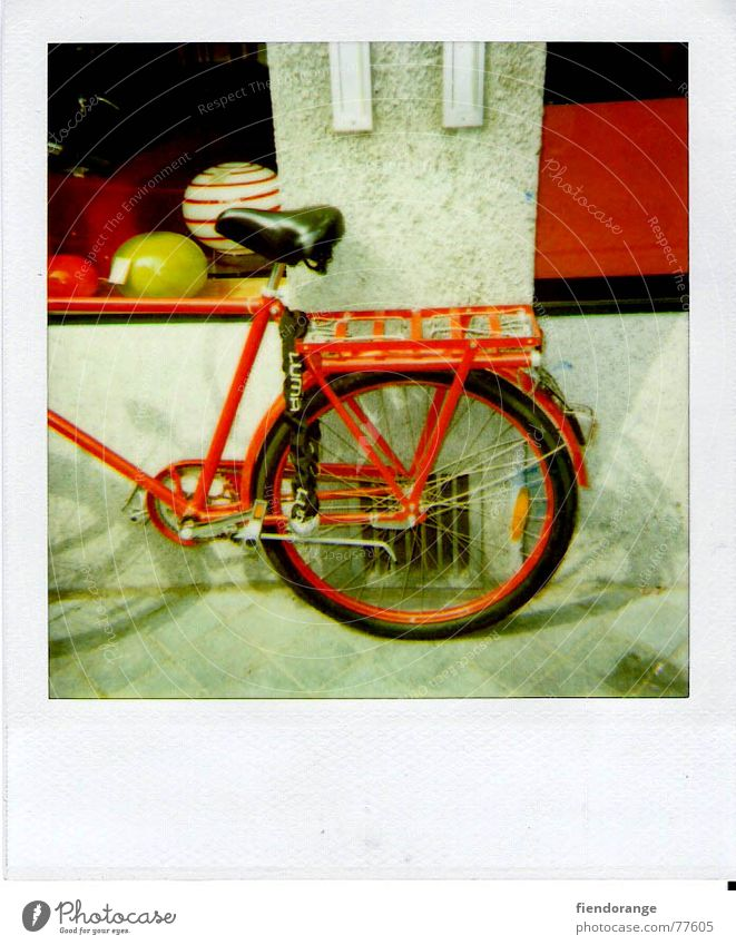 siding Spokes Red Railroad tracks Break Calm Haste fahrras Bicycle Bicycle saddle Ball balls:wall:shop window Street